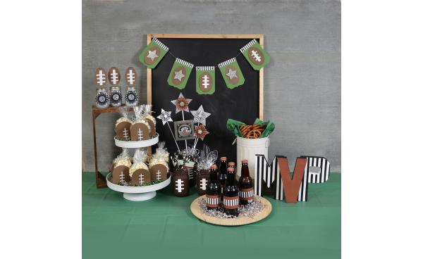 How to Make These Football Popcorn Favor Boxes!