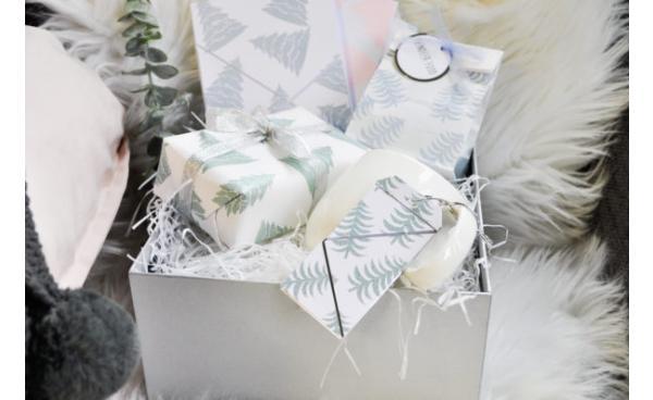 Christmas Eve box using Sizzix embossing powders
