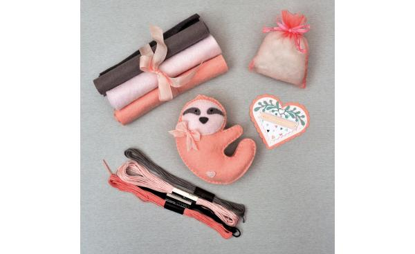 How to Make this Valentine's Day Stitched Sloth!